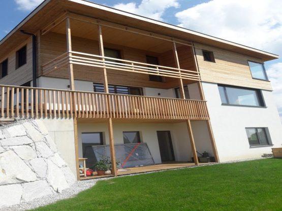 Haus Mit Holzgeländer Altenberg